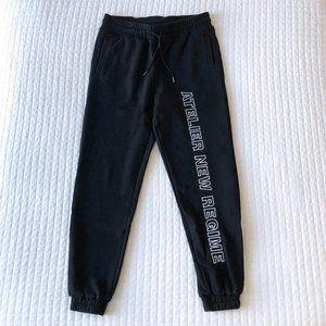 New Regime Logo Fleece Sweatpants Black